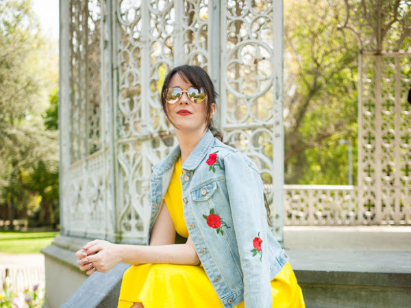 Outfit: yellow dress, La La Land moment