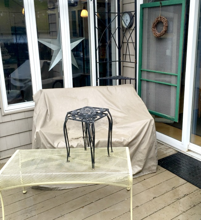 Painting Outdoor Furniture in Beautiful Blue