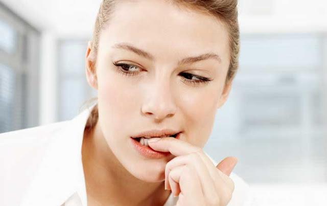 5 Kebiasaan yang Bisa Merusak Kuku Jari jika Dibiarkan dalam Waktu Lama