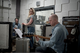 The Chanteuse (Lucy Hope) recording at Toe Rag Studios