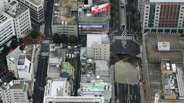 reparacion-socavon-fukuoka-japon