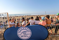 42 CrowdGraviere Quiksilver Pro France foto WSL Laurent Masurel