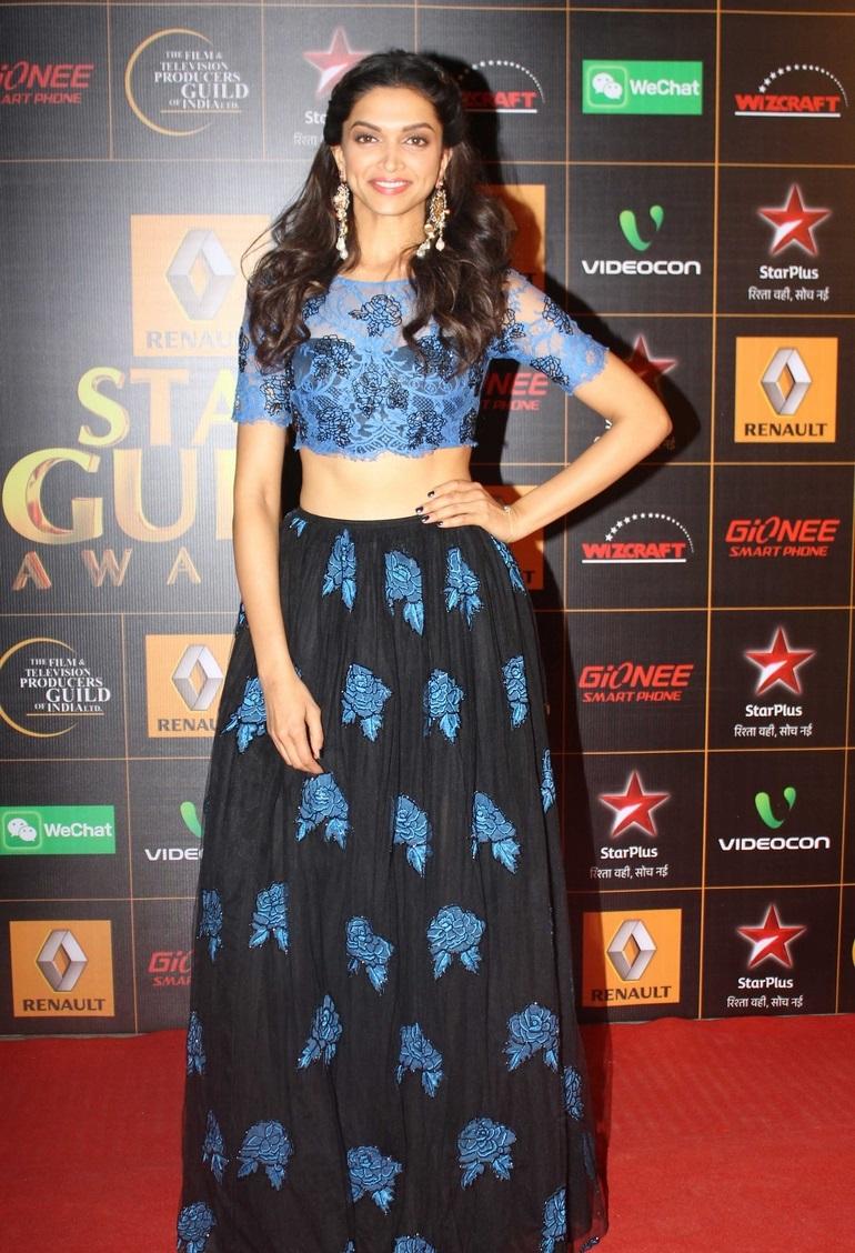 Deepika Padukone Hot Smiling Images In Blue Top Lehenga At Awards Function