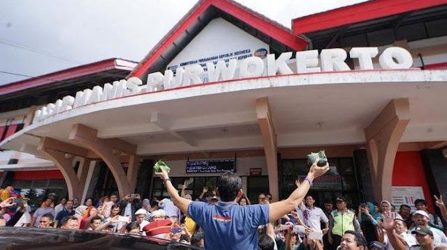 Di Purwokerto, Pedagang Curhat ke Sandi: Harga Bensin dan Listrik Mahal