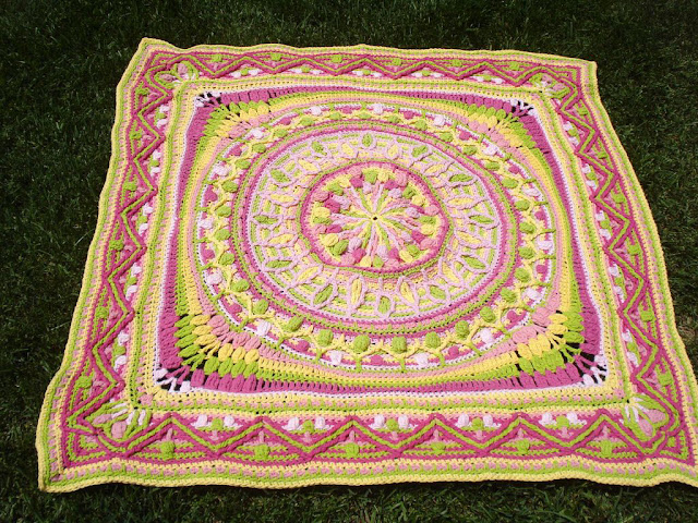 Large mandala square - overlay crochet