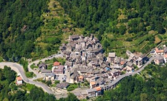 10 آلاف يورو لمن يرغب بالعيش في بلدة إيطالية.!!