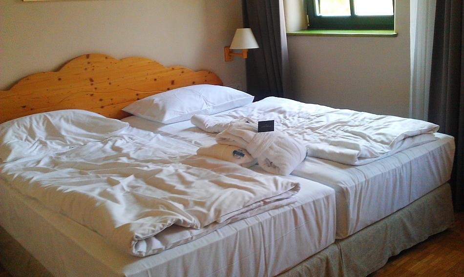 thermen urlaub in bad blumau tortenschlaraffenland. Black Bedroom Furniture Sets. Home Design Ideas