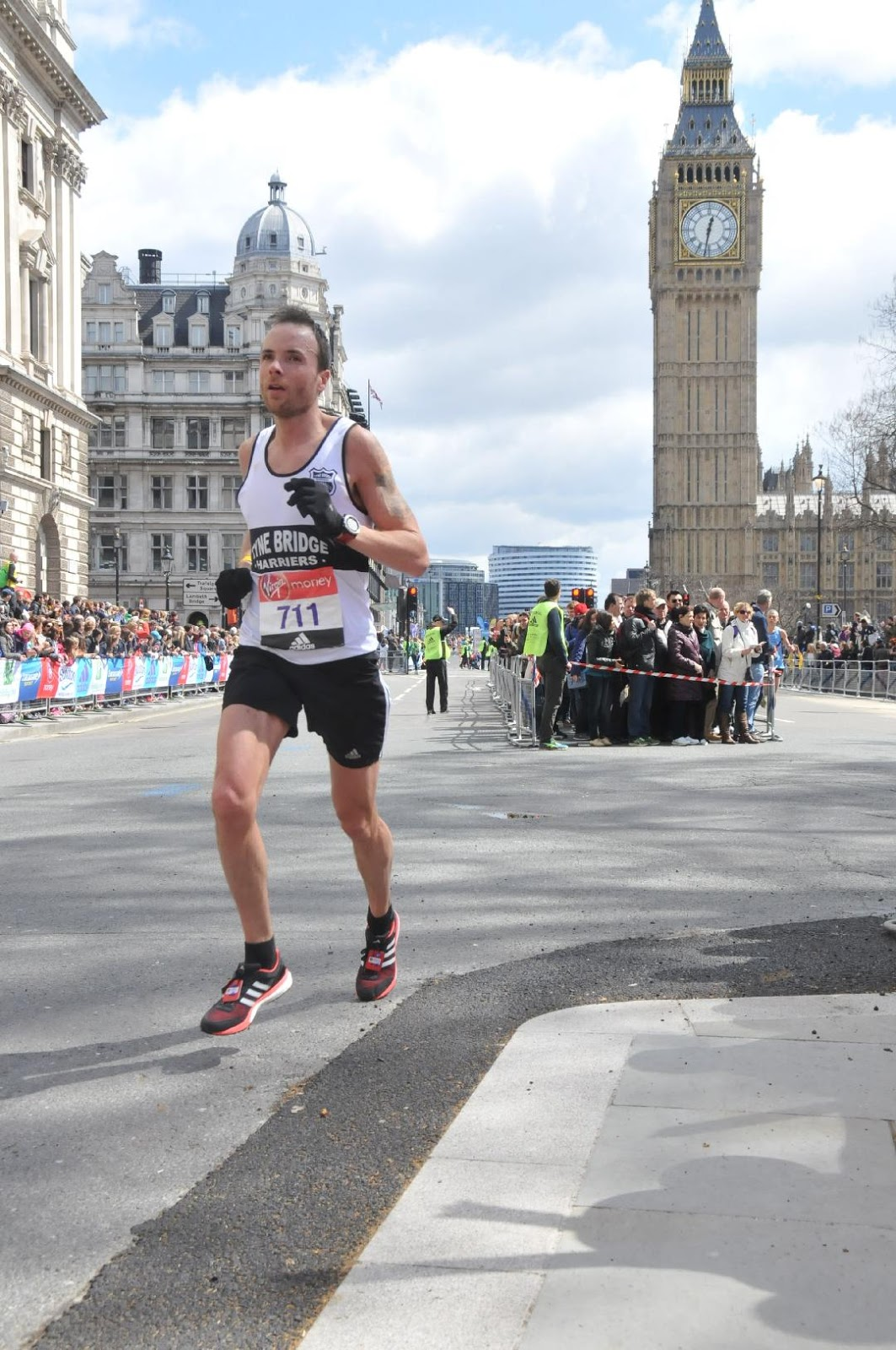 822e4db8d5d4d3 CAPITAL OUTING  Under the Shadow of Big Ben Terry takes to the streets of  London for his one-and-only marathon so far