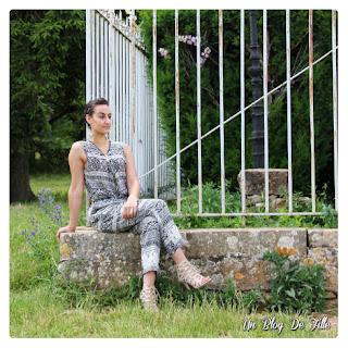 http://unblogdefille.blogspot.fr/2016/07/look-combinaison-dete-et-escarpins.html