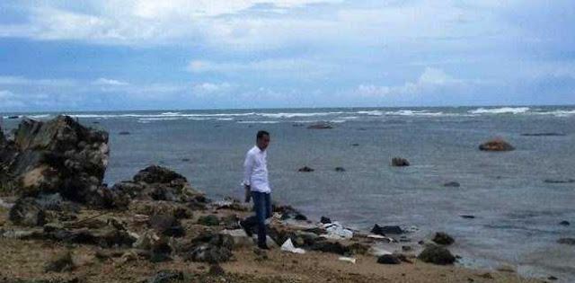 Mantan Relawan: Jokowi Kembali Pencitraan Saat Tinjau Korban Tsunami