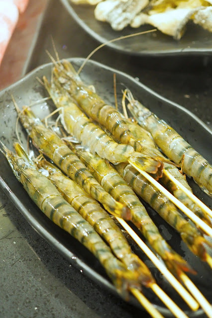 Fresh live prawns a la carte hua ting steamboat