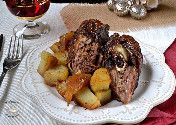 Pierna de cordero al horno con patatas