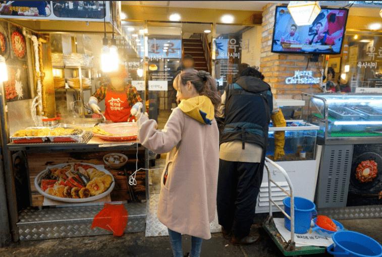 광장시장 모모노기 카나