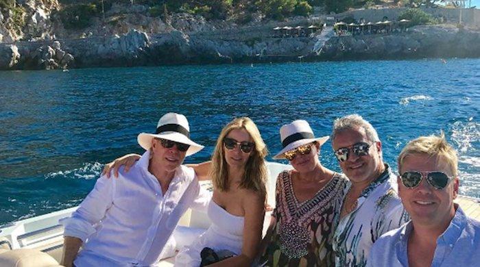 Tommy-Hilfiger-Kris-Jenner-in-greece