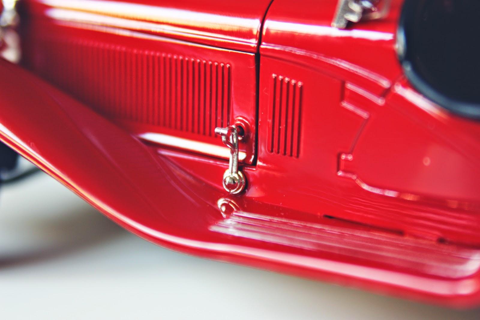 1/18 Bburago 1932 Alfa Romeo 8C 2300 Spider Touring