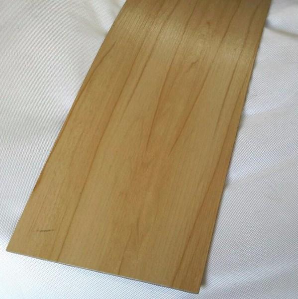 model lantai keramik motif kayu terbaru