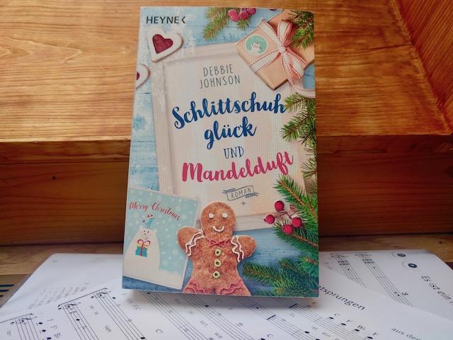 https://www.randomhouse.de/Taschenbuch/Schlittschuhglueck-und-Mandelduft/Debbie-Johnson/Heyne/e544701.rhd