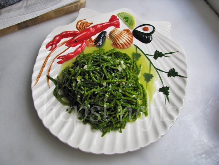 Domatesli deniz börülcesi salatası