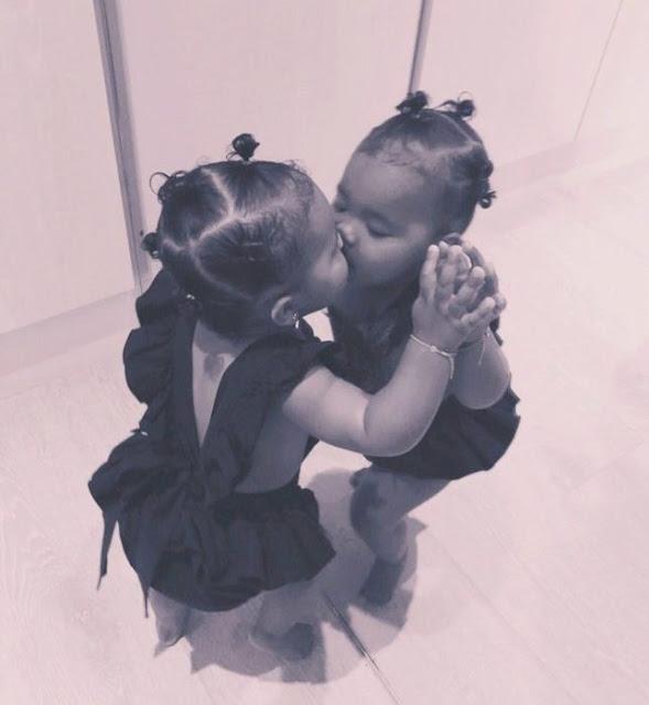 Khloe Kardashian's daughter True kisses her reflection
