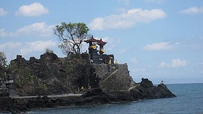 wisata lombok, pantai, wisata alam, pantai perawan, objek wisata, pulau lombok, pura