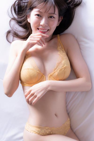 Miyuki Watanabe 渡辺美優紀, [SPRiNG] 2019.12 Photo Style Book