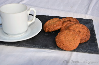biscotti, farina integrale, zenzero