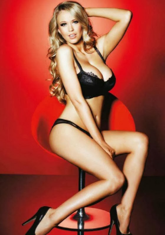 Santa Claus Girl Wallpaper Sophie Reade For Nuts Magazine 2013