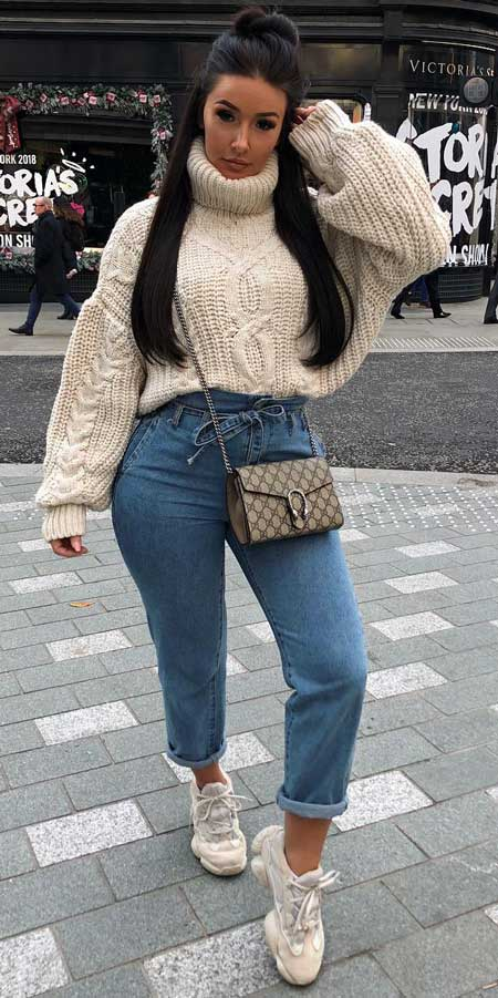 Francesca cable knit roll neck oversized jumper | From knited jumpers to oversized jumper. Discover these 31 Cute womens jumpers that will totally embrace you. Jumper Outfits via higiggle.com #jumper #winterwear #style #cute