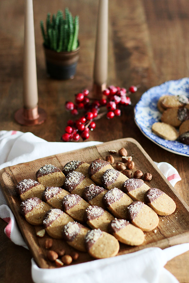 Toasted hazelnut cookies with milk chocolate-lifestyle blog from Luxembourg