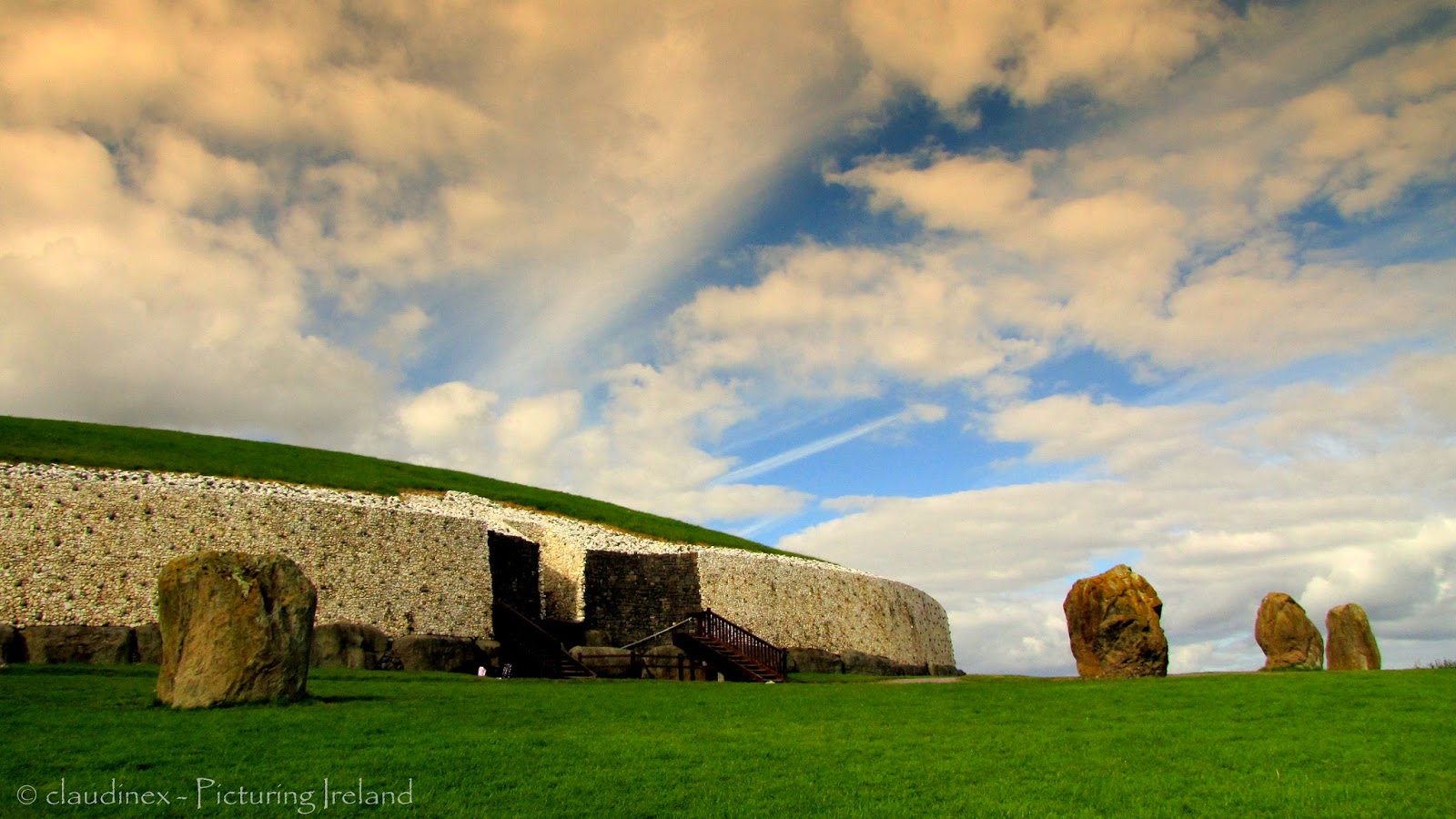 Picturing Ireland Magical Places The Passage Tomb Of