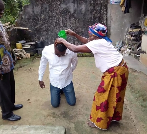 Viral News News And Photos: Photos Of Grandma Fortifying Her Grandson Ahead Of His