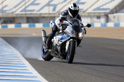BMW S1000RR In stunt look 02
