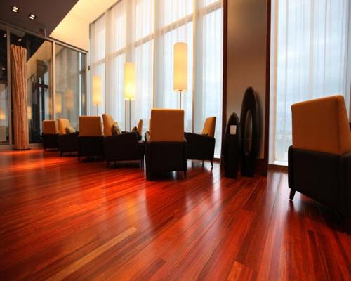 Sàn gỗ tự nhiên giáng hương nổi trội