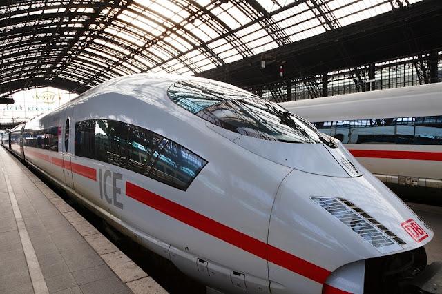 Trem na estação de Berlim