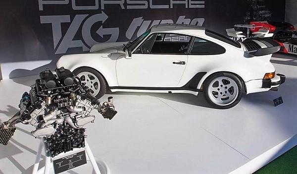Porsche 911 Turbo (930) con el motor TAG V6 de Fórmula 1