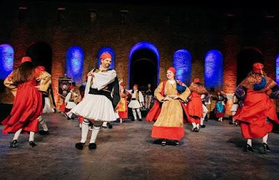 """Ο Παγκαλαβρυτινός Σύλλογος Πατρών χορεύει στο Χοροθέατρο """"ΔΟΡΑ ΣΤΡΑΤΟΥ"""""""