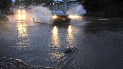 OB puddles 640x360 - Καιρός για 3-4 Φεβρουαρίου: Αλλαγή με βροχές και νοτιάδες