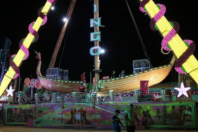 Barco bikingo de la feria de Huelva