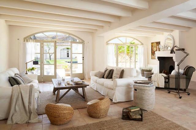 casa de campo que invita a disfrutar de su interior construido con materiales autóctonos