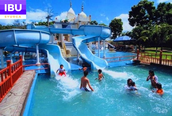 A Famosa Resort Hotel water theme park