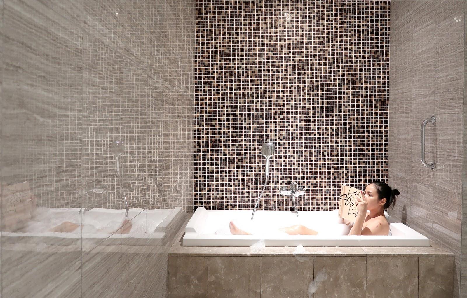 Hotel Review Doubletree Hilton Melaka Hertravelogue Com