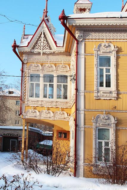 Tomsk wooden houses