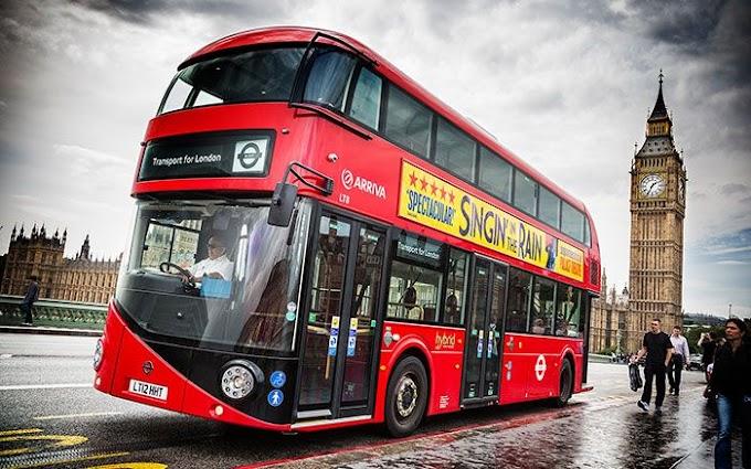 Londra: autobus in movimento con i fondi di caffé