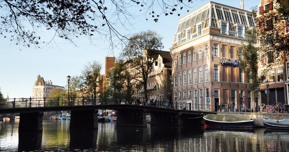 Romania Live: Radisson Blu Hotel Amsterdam live webcam Amsterdam
