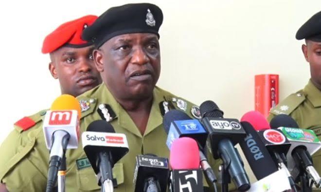 Polisi limefanikiwa Kuwakamata Majambazi Watatu Waliovamia Maduka Kariakoo Siku ya Pasaka