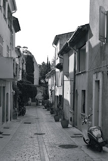 Ruelle Saint-Tropez - Noir et Blanc