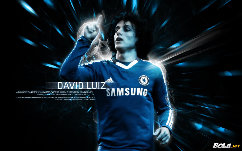 Wallpaper Free Picture: David Luiz Wallpaper 2011