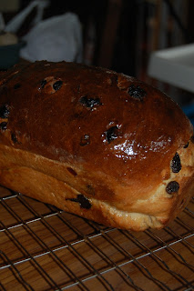 How to make raisin and cranberry loaf.