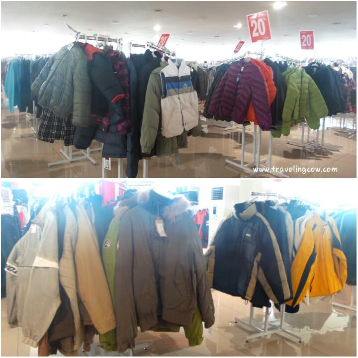 Ada koleksi jaket winter untuk anak-anaknya juga bad1a6c7ad