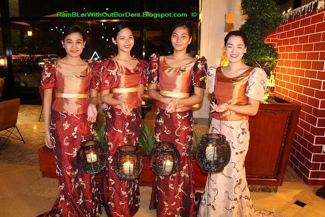 Filipinas in national costumes, Hotel Sofitel Philippine Plaza Manila, Philippines